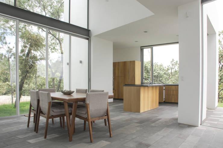 Casa en el Cielo : Comedores de estilo  por Villar Watty Arquitectos