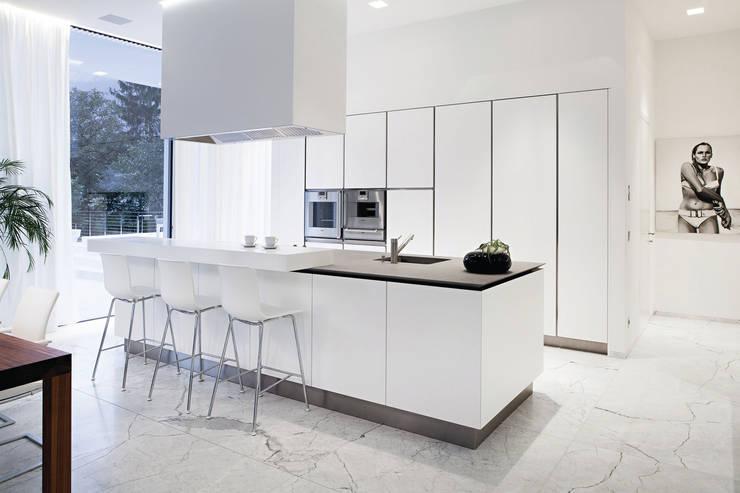 Kitchen by RAIZ QUADRADA