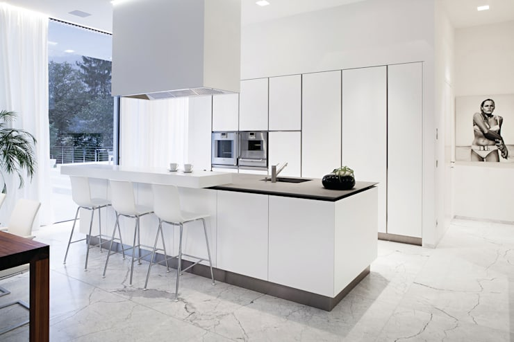 minimalistic Kitchen تنفيذ RAIZ QUADRADA