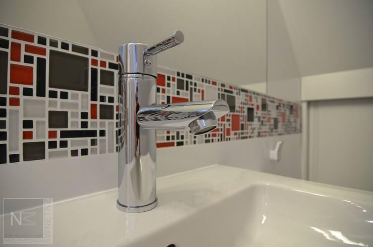 łazienka na poddaszu: styl , w kategorii Łazienka zaprojektowany przez Suare Studio  Natalia Margraf-Wojciechowska