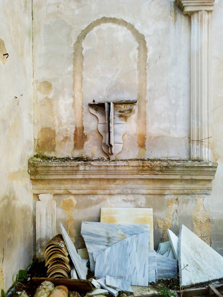 Rehabilitación de la Ermita de Fuente Nueva como Centro de Interpretación del Yacimiento Arqueológico Fuente Nueva Orce (Granada):  de estilo  de Alejandro Ramos Alvelo / arquitecto