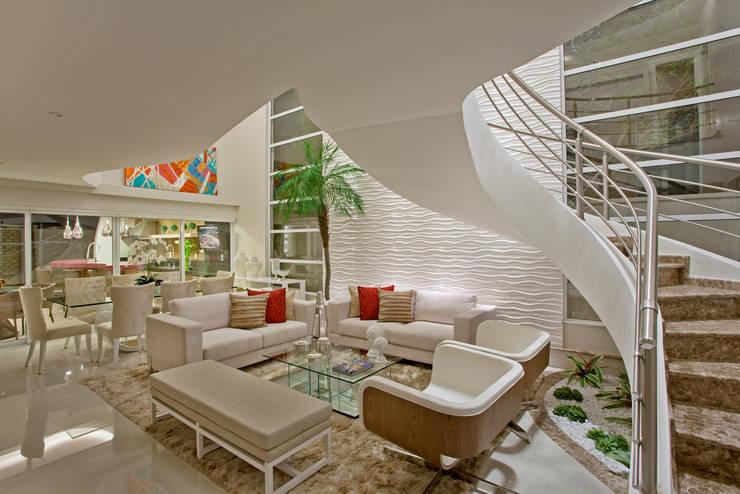 Phòng khách by Designer de Interiores e Paisagista Iara Kílaris