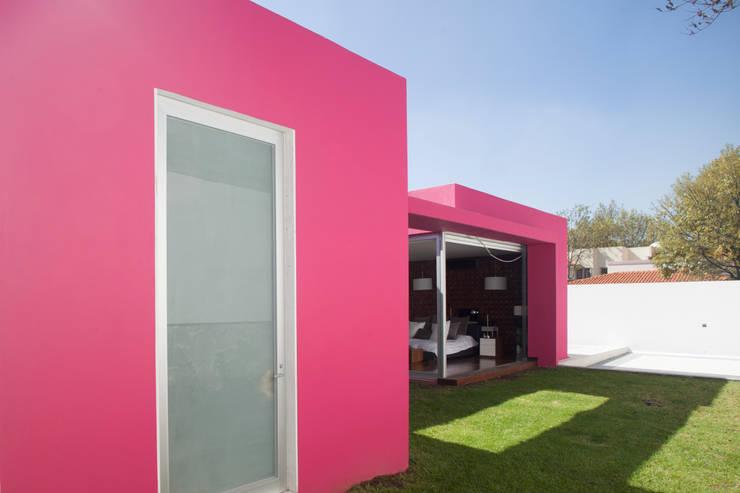 Maisons de style  par Echauri Morales Arquitectos, Minimaliste