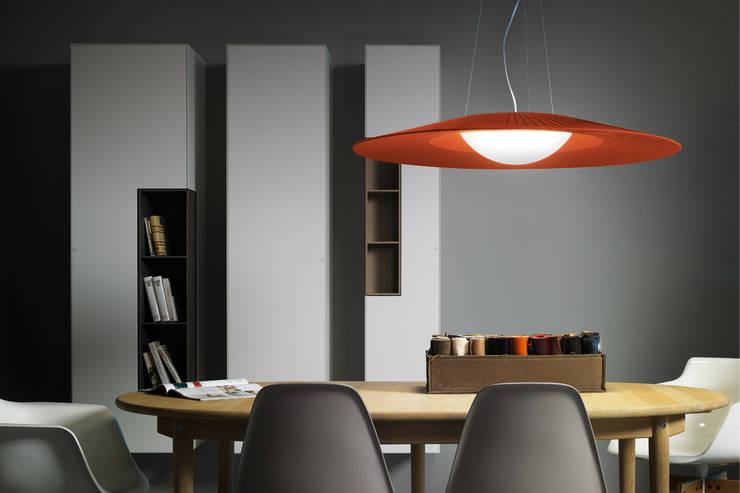 Mood pendant: Soggiorno in stile in stile Moderno di STUDIO MATHESIS Art Design