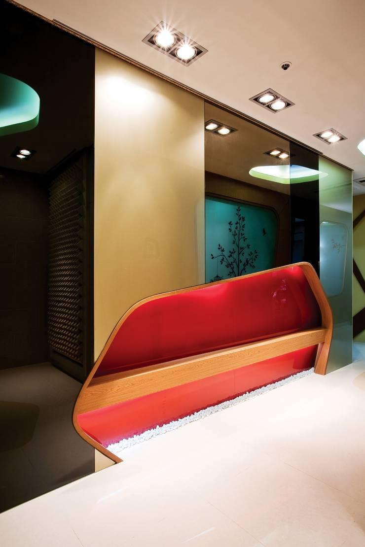 Seoul Prime Skin Clinic: (주)유이디자인의  병원