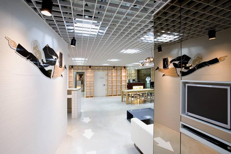 Goun Guide Dental Hospital: (주)유이디자인의  병원
