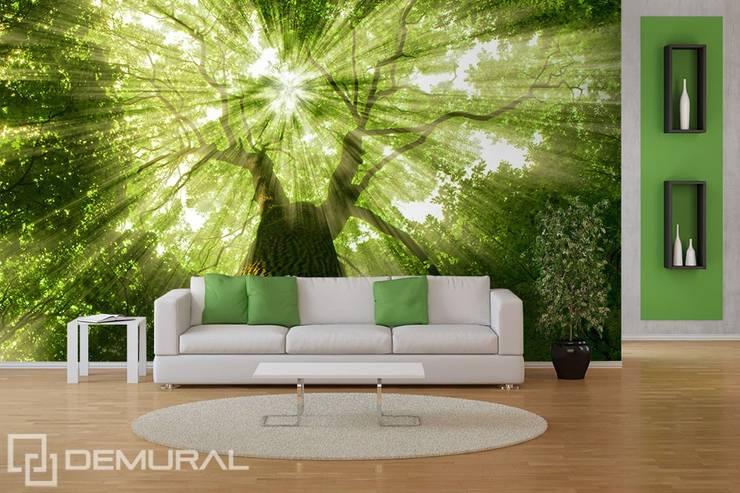 Promienie wśród zieleni: styl , w kategorii  zaprojektowany przez Demural.pl,