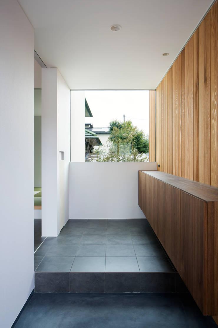 玄関:  井上久実設計室が手掛けた和室です。