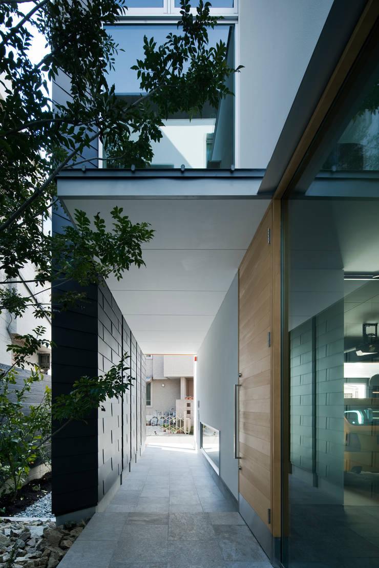 ポーチ:  井上久実設計室が手掛けた和室です。