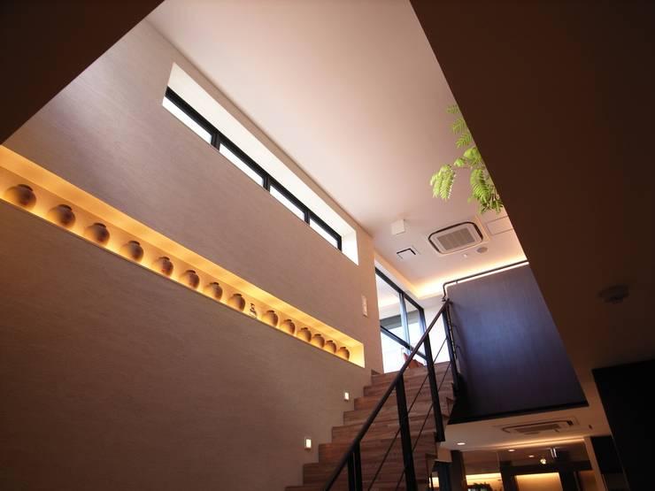 Chinese Restaurant 紅鶴: 株式会社ギミックが手掛けた商業空間です。