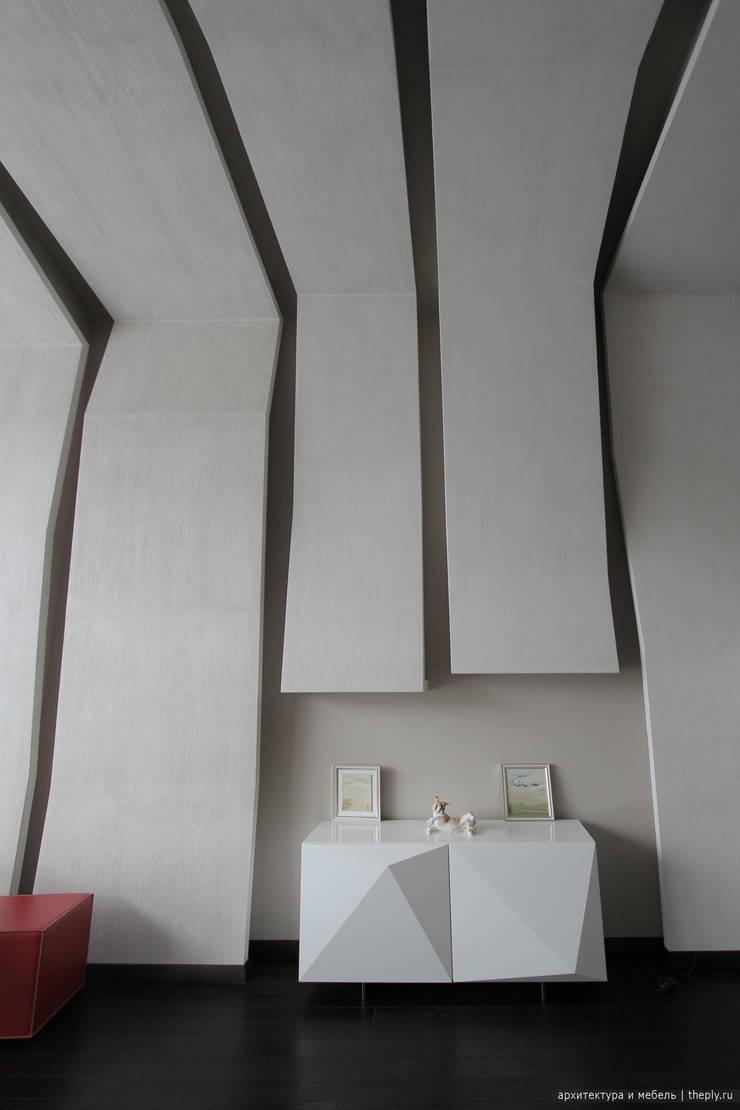 Фрагмент стены с комодом: Рабочие кабинеты в . Автор – Ply, Минимализм