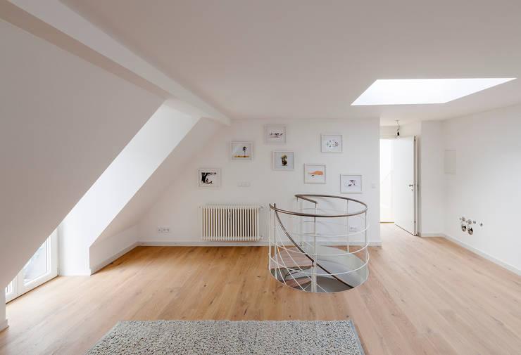 Ingresso & Corridoio in stile  di arcs architekten