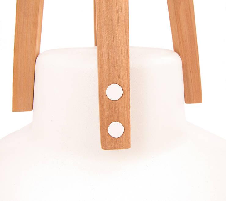 Biały Work: styl , w kategorii  zaprojektowany przez LoftYou,Skandynawski