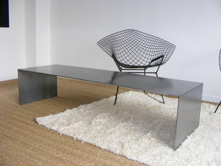 table basse: Salle à manger de style  par metal brut