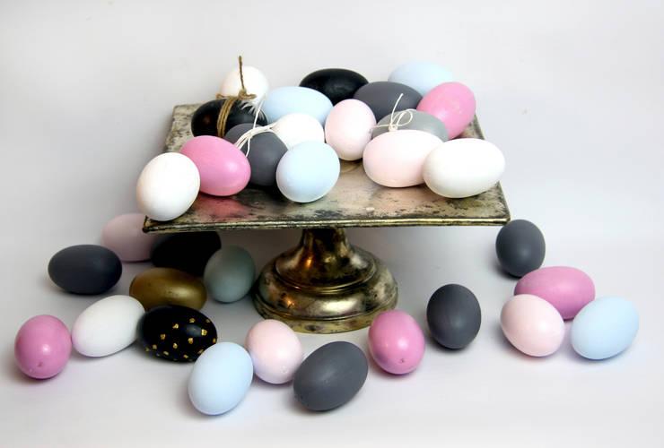 Jajka na paterze srebrnej: styl , w kategorii Salon zaprojektowany przez Grin House Design s.c.