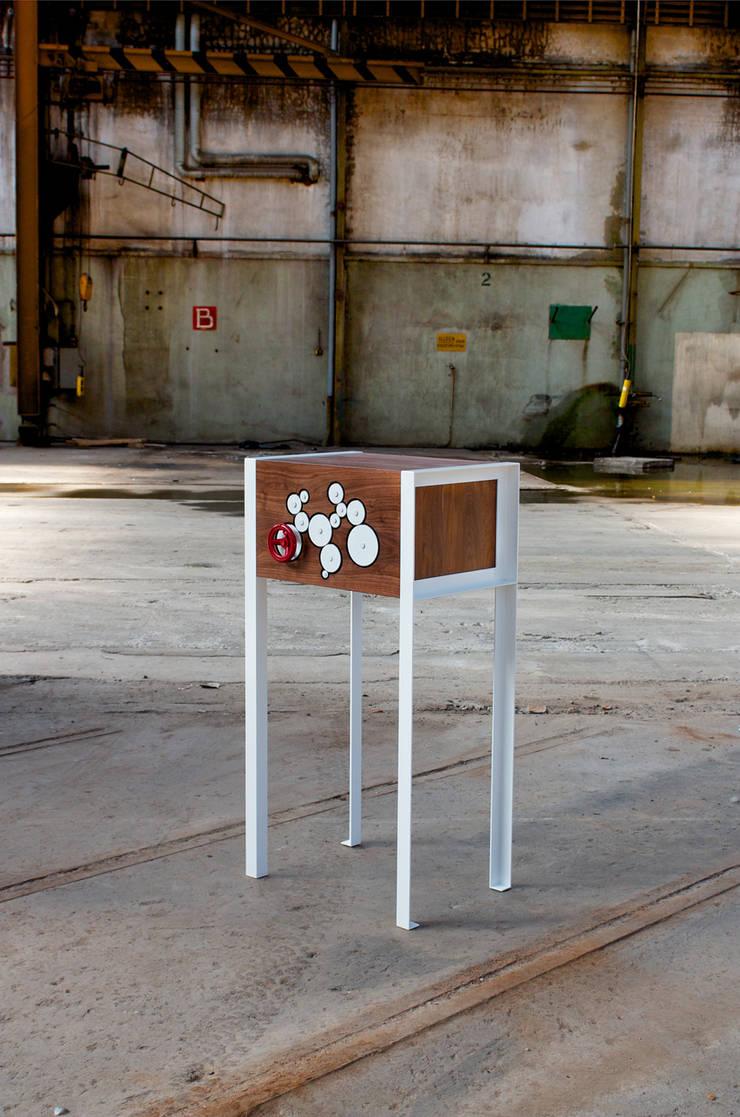 TurnToOpen III:   door Joyce Flendrie   Interieur & Design, Industrieel