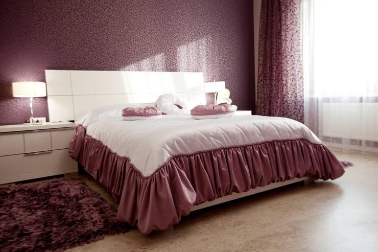 2-х комнатная квартира для девушки: Спальная комната  в . Автор – студия Мезонин