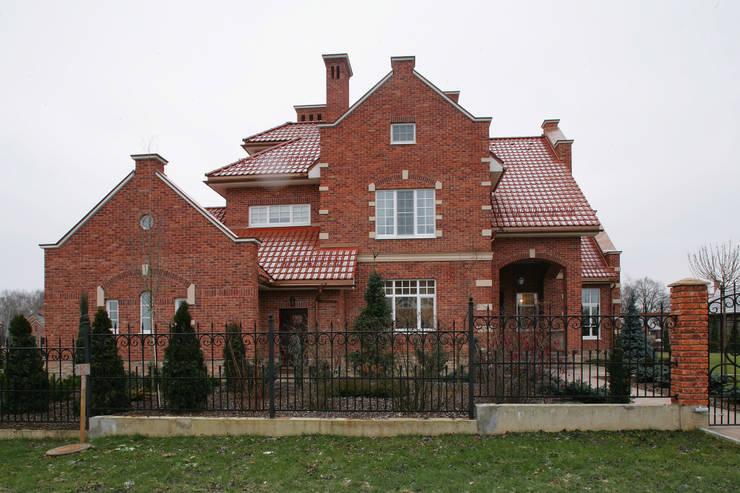 Фасад:  в . Автор – DECORA