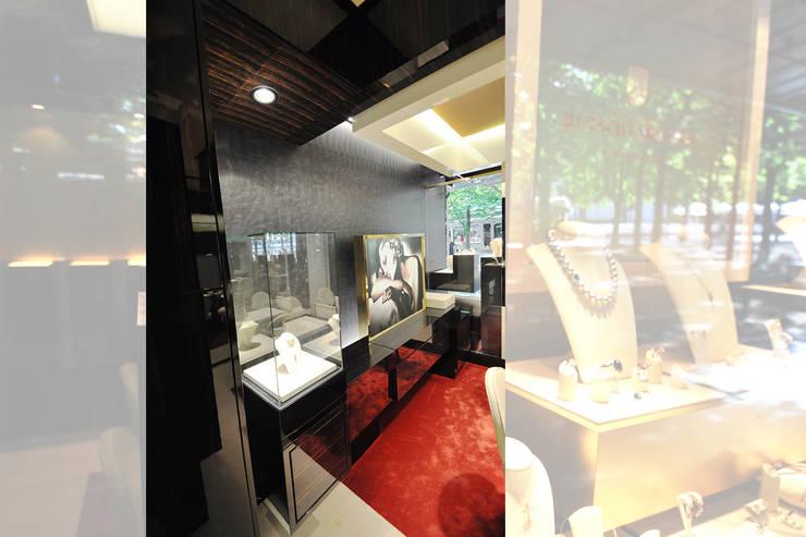 Espaces commerciaux de style  par Pakula & Fischer Architekten GmnH, Classique