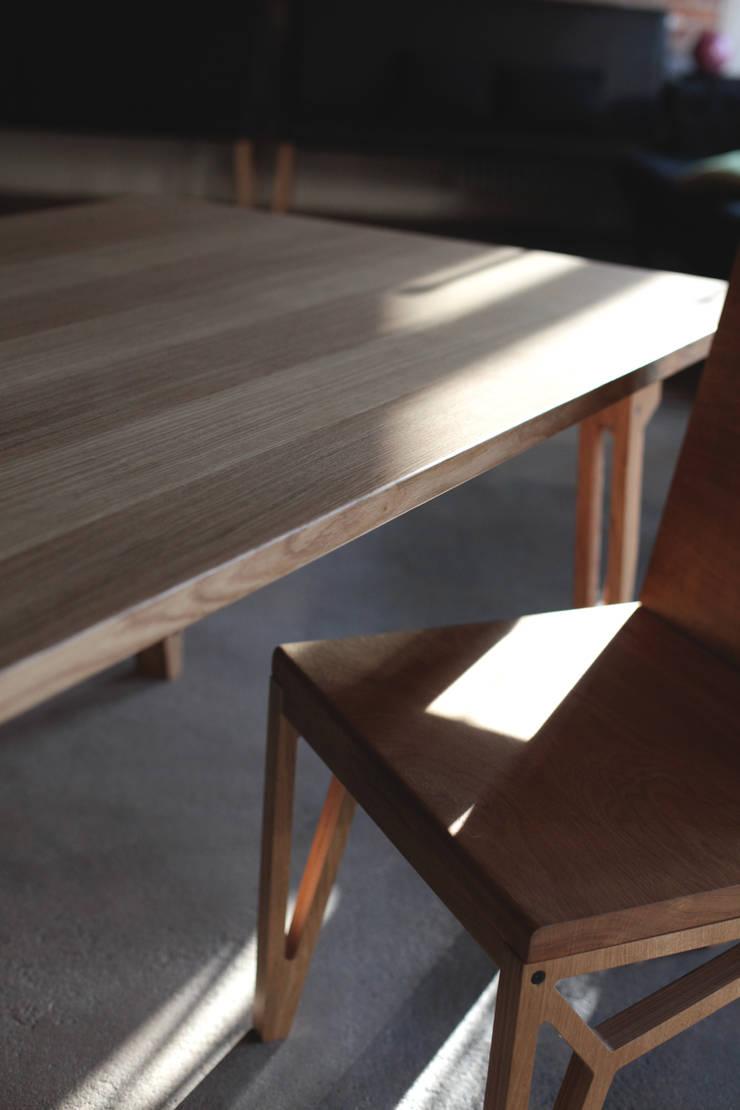 Krzesło RAM: styl , w kategorii  zaprojektowany przez ROARHIDE Industrial designs,Industrialny