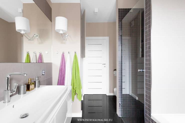 Łazienka: styl , w kategorii  zaprojektowany przez Patryk Kowalski Architektura i projektowanie wnętrz