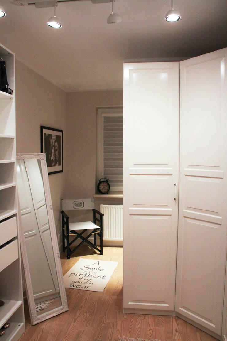 Garderoba: styl , w kategorii  zaprojektowany przez Patryk Kowalski Architektura i projektowanie wnętrz,Klasyczny