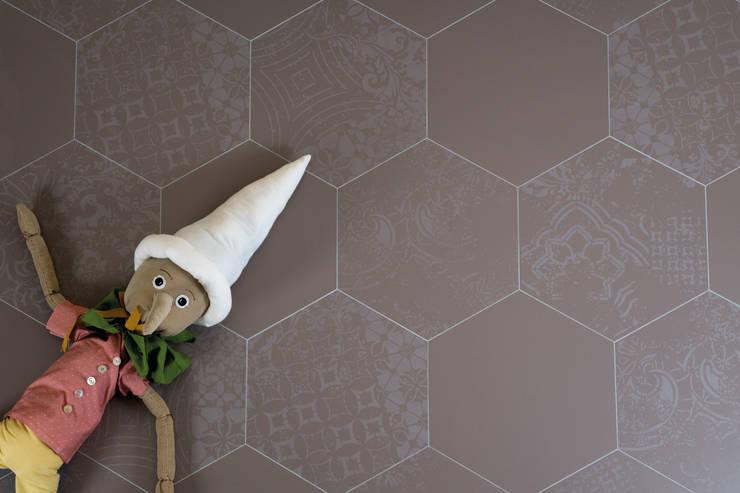 Quintessenza - Alterego:  Muren & vloeren door Spadon Agenturen