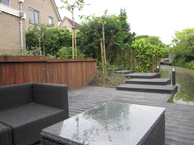 庭院 by Van Dijk Tuinen Groningen
