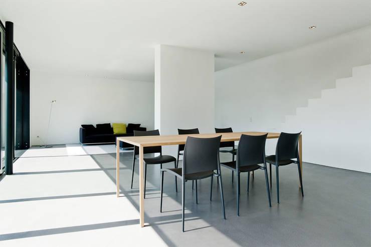 Haus K in Friedrichstal:  Esszimmer von Thomas Fabrinsky Dipl.-Ing. Freier Architekt BDA