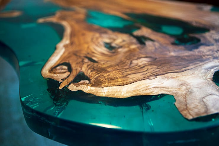 'Sea Horse' design coffee table close-up.:  Living room by Neil Scott Furniture Limited