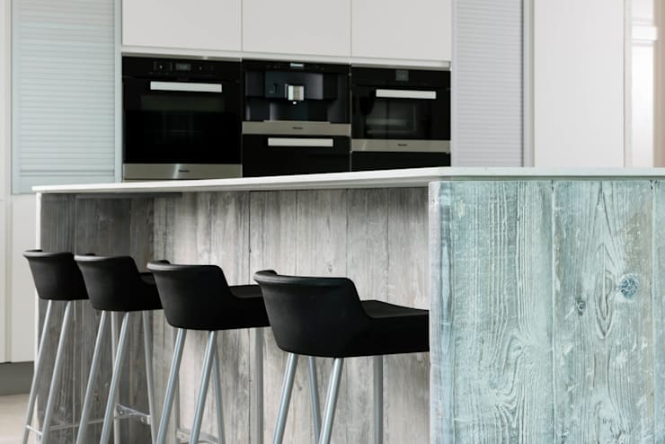 Driftwood Kitchen: modern Kitchen by Terry Design