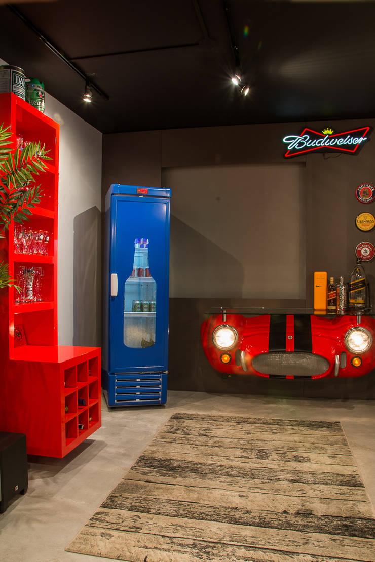 bar: Salas de estar  por Leticia Sá Arquitetos