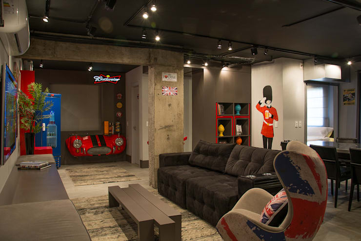 bar e sala de estar do loft: Salas de estar  por Leticia Sá Arquitetos