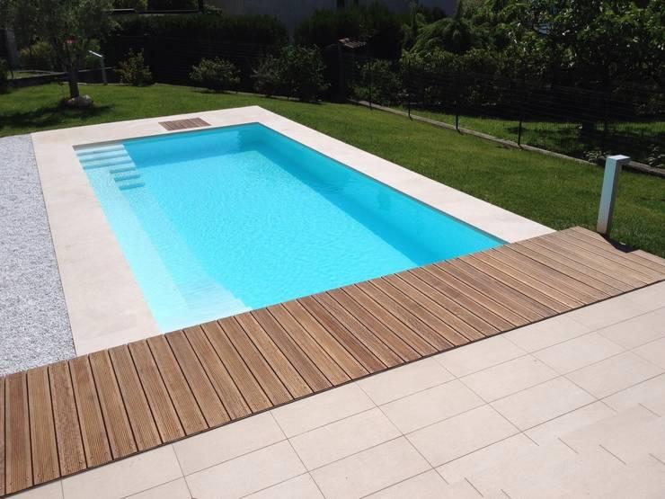 Villa Privata - Cernobbio Lago di Como: Piscina in stile  di Archiluc's - Studio di Architettura Stefano Lucini Architetto