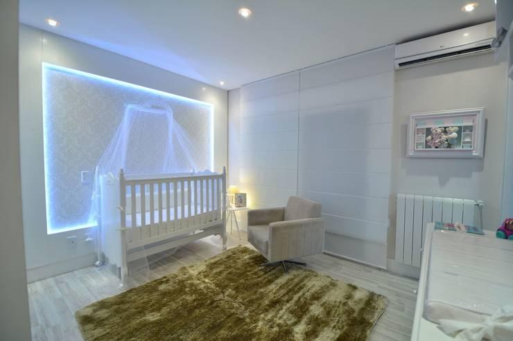 modern Nursery/kid's room by Paulinho Peres Group