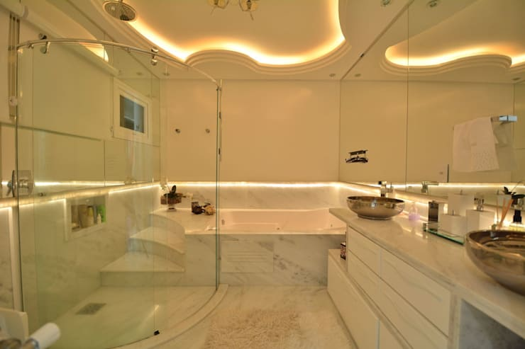 Bathroom by Paulinho Peres Group