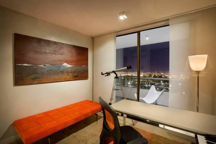 Departamento en Pedemonte: Estudios y oficinas de estilo  por Cohen - Reig Arquitectura & Interiorismo,Moderno