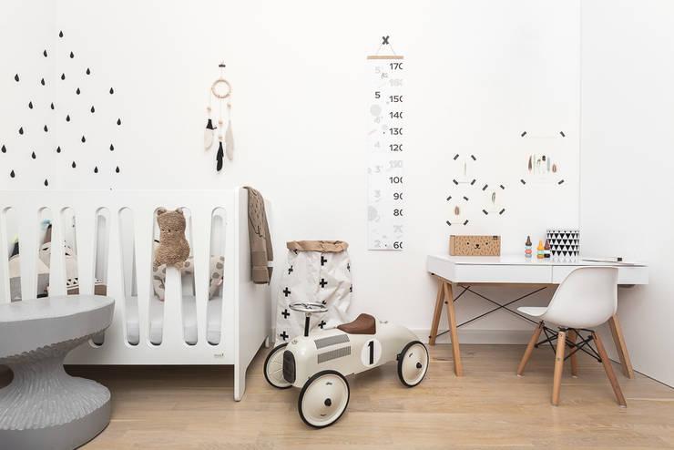 Scandinavian style nursery/kids room by ARCHISSIMA Scandinavian