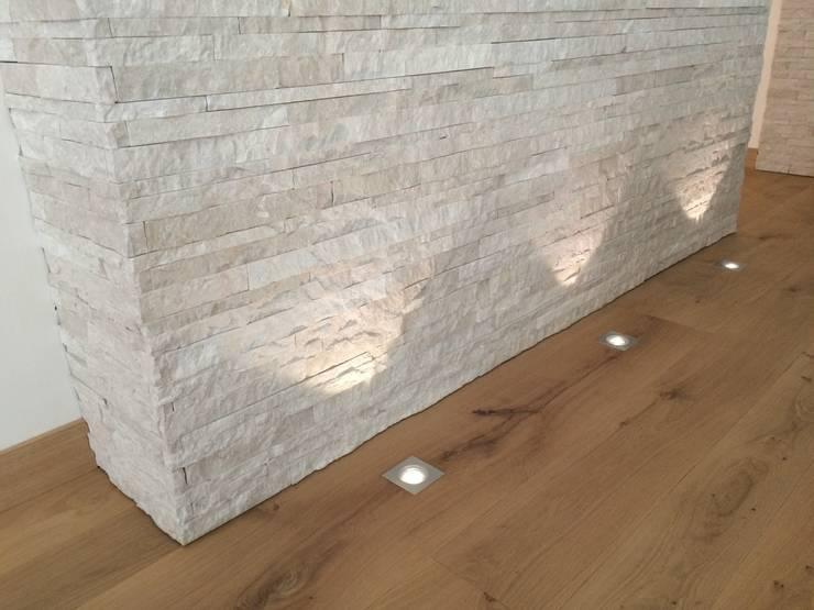 Paredes de estilo  por Archiluc - Studio di Architettura Lucini Associati