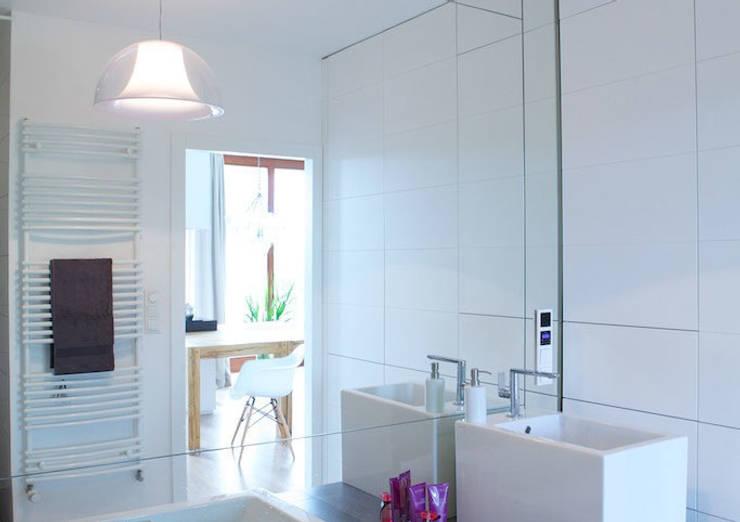łazienka: styl , w kategorii  zaprojektowany przez IDEARCHITEKTURA
