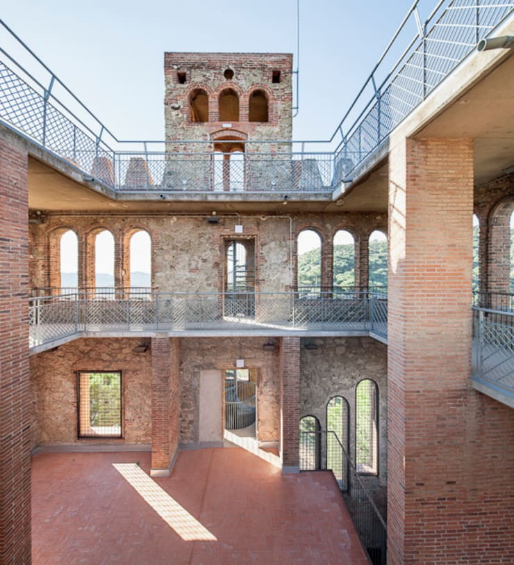 Torre Baró: Casas de estilo  de Jordi Farrando arquitecte