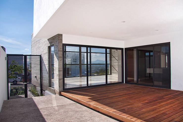 Casa RDM45: Terrazas de estilo  por VG+VM Arquitectos