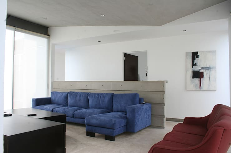 Casa Aburto: Salas multimedia de estilo  por VG+VM Arquitectos