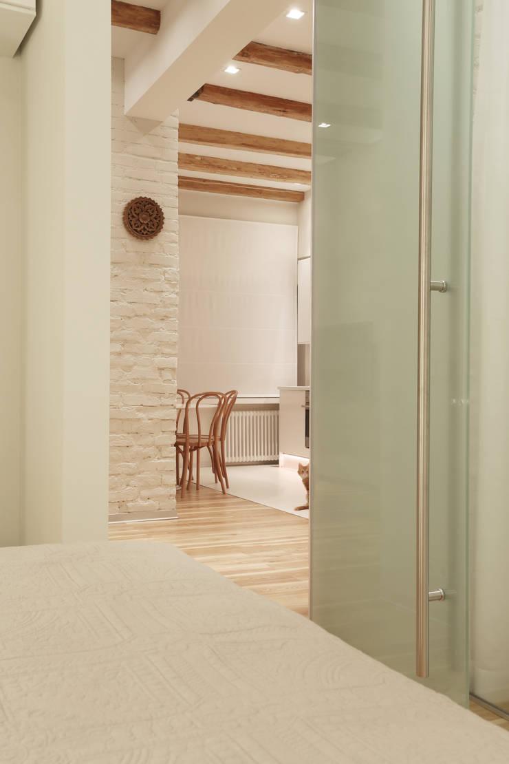 Вид из спальни : Спальни в . Автор – Double Room