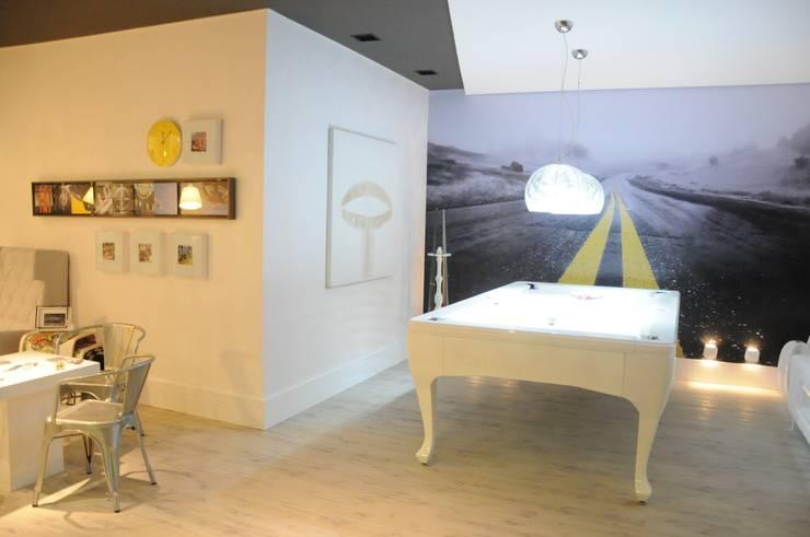 Sala de Jogos: Salas multimídia  por Renata Amado Arquitetura de Interiores,Minimalista