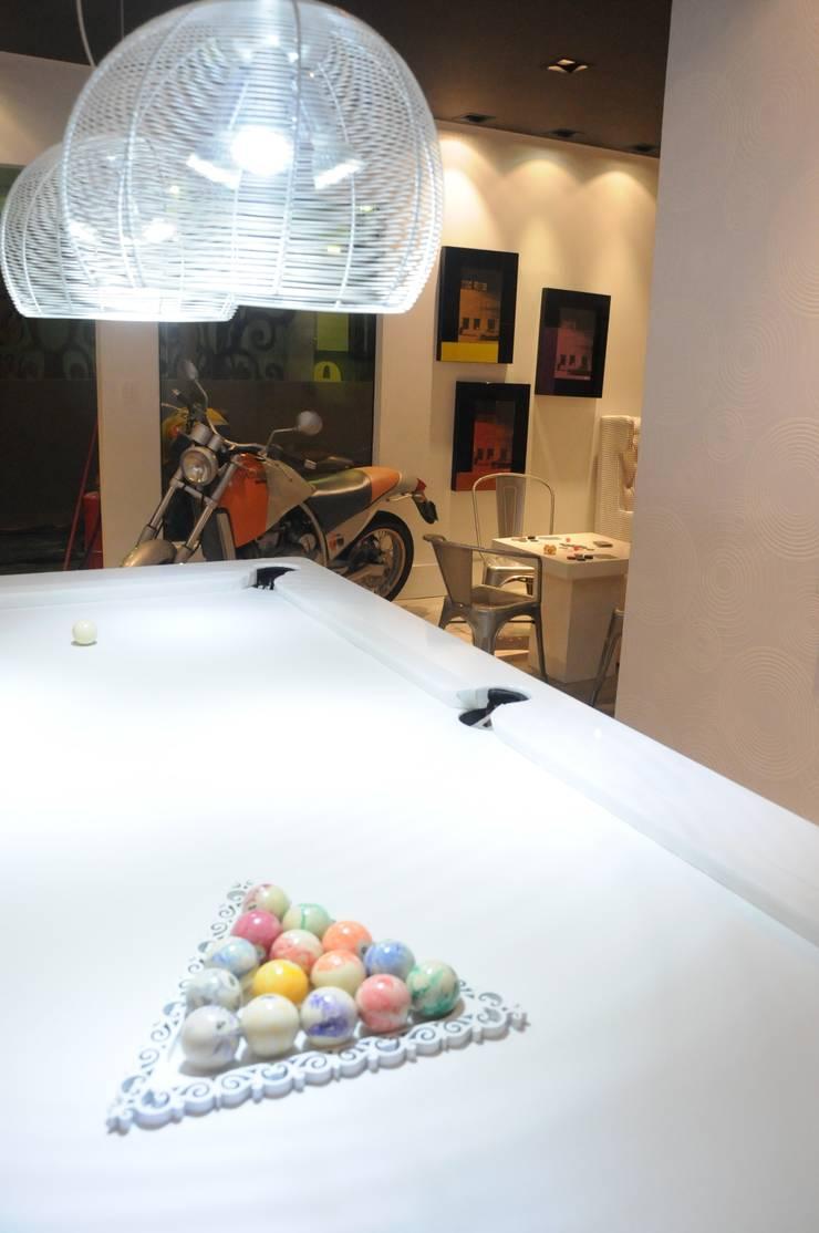 Sala de Jogos: Garagens e edículas  por Renata Amado Arquitetura de Interiores,Moderno