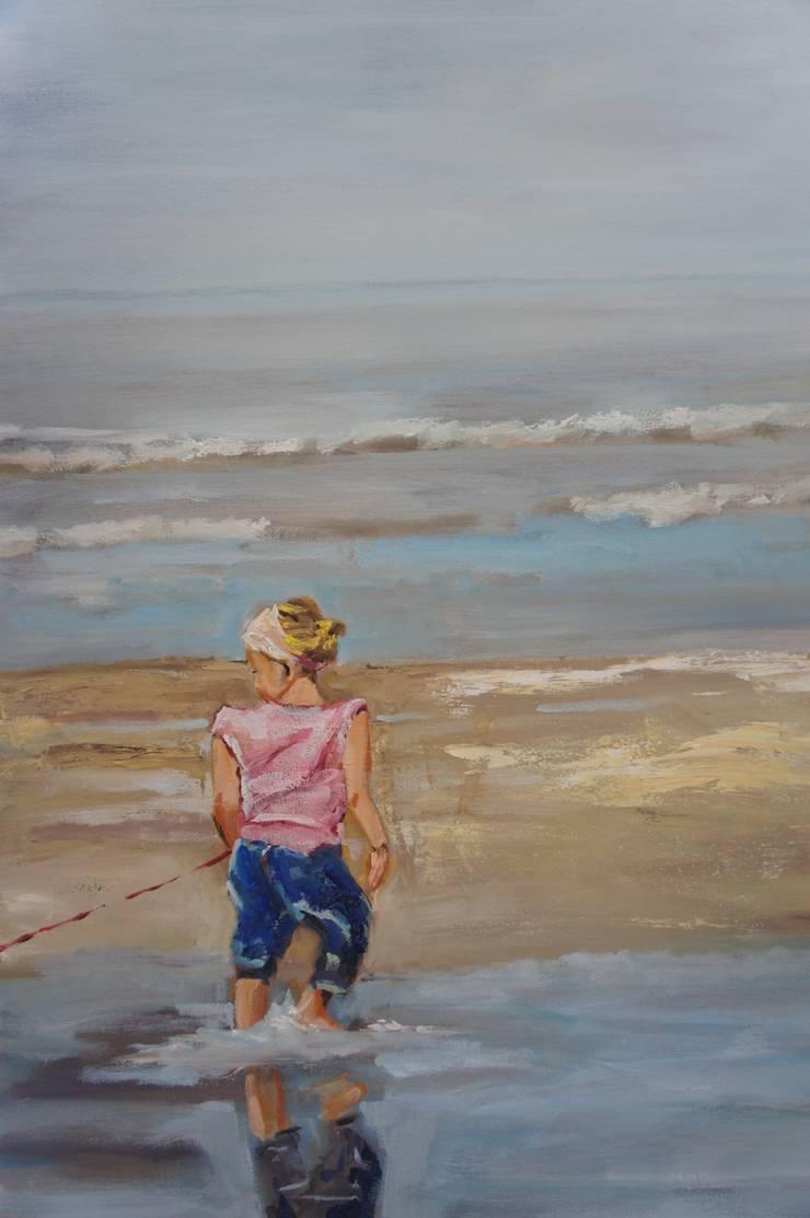 Playing at the beach:   door leida blom, Klassiek