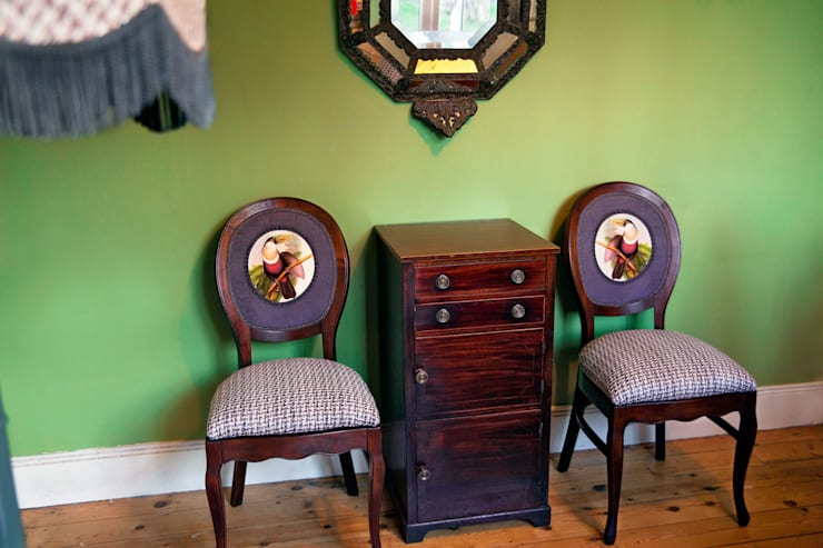Leadbetter toucans:  Dining room by polly granville ltd