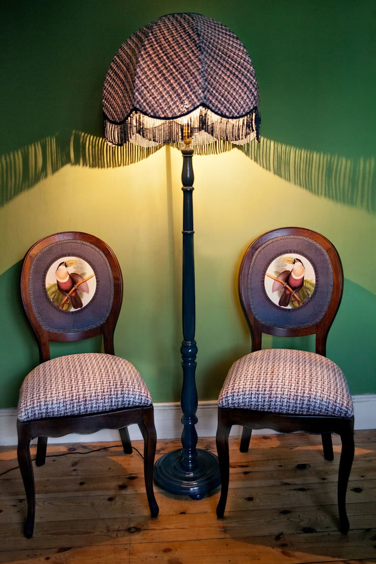 Leadbetters Toucans & Lamp:  Living room by polly granville ltd