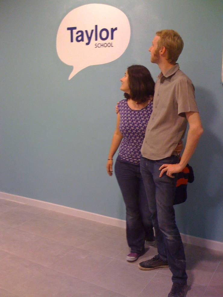 Taylor School: Escuelas de estilo  de noe vega interiorismo